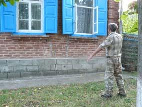 Белореченский район, Великовечное , у многих домовладений произошла усадка фундаментов с образованием трещин из-за нецивилизованной и нерегулируемой эксплуатации карьеров