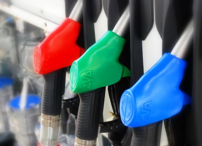 Независимый топливный союз предупредил о риске скачка цен на бензин