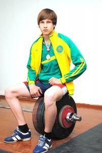 Белореченский тяжелоатлет Никита Баушников