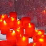 свечи памятник