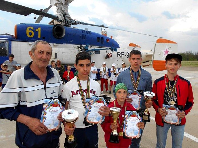 Школьники-ракетчики из Белореченской СЮТ осваивают «Космодром Кубань»