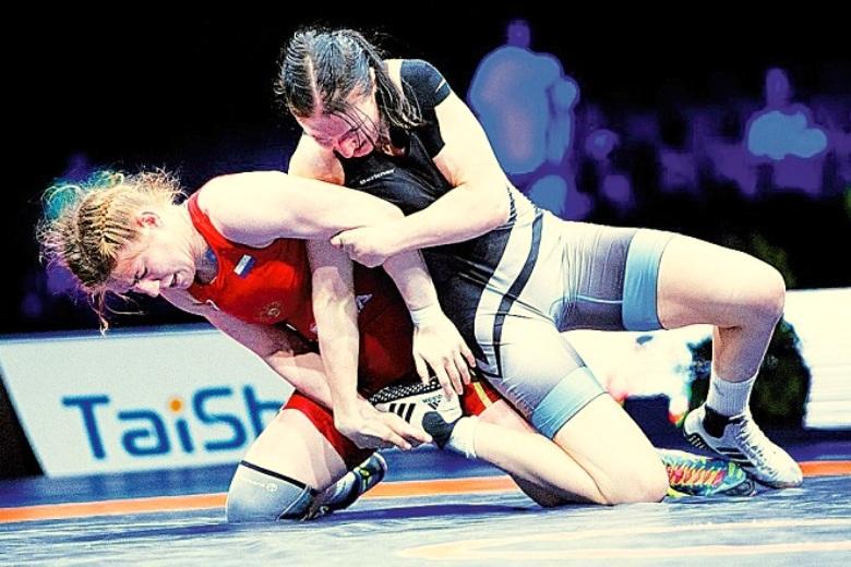 Чемпионат страны по женской спортивной борьбе в Каспийске: победа за Любовью Овчаровой