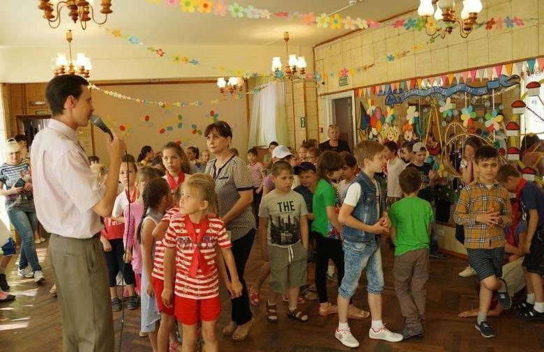 Белореченские коммунисты отметили День защиты детей