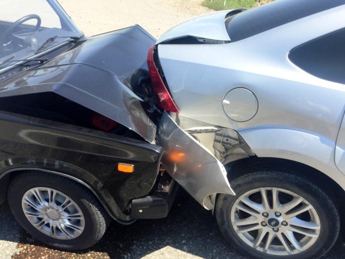 Несоблюдение дистанции привело к аварии