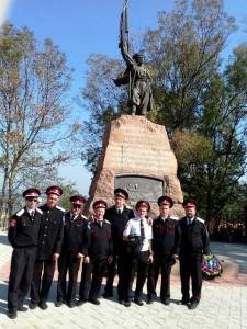 казаки 30 сентября в центре станицы Тамань, рядом с морской пристанью, у памятника казакам-первопоселенцам