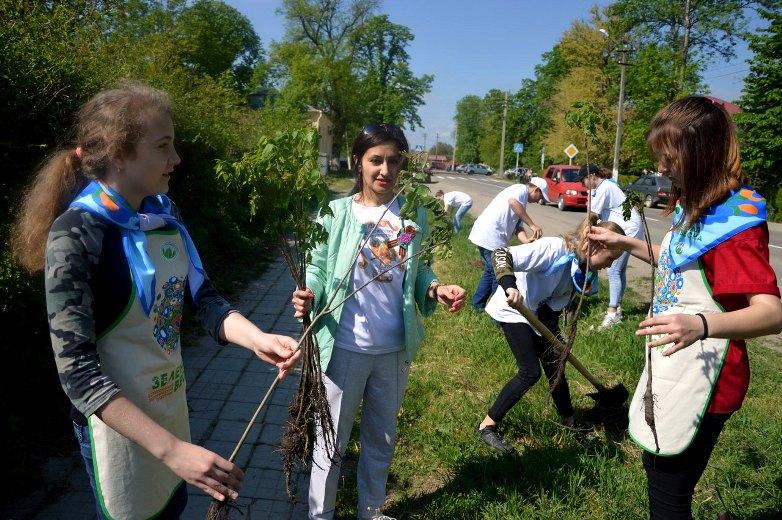 Зеленая весна Года Добровольца