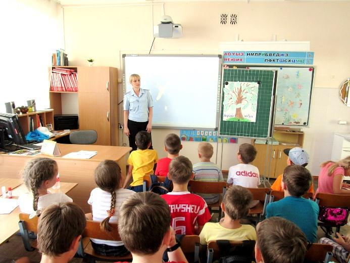 Дети узнают о законах — из первых уст…