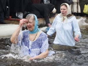 крещение купание