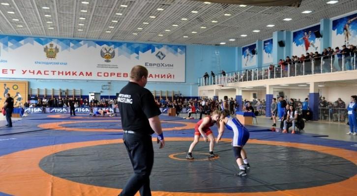 В Белореченске состоялось открытие Краевого первенства по вольной борьбе среди юношей и девушек