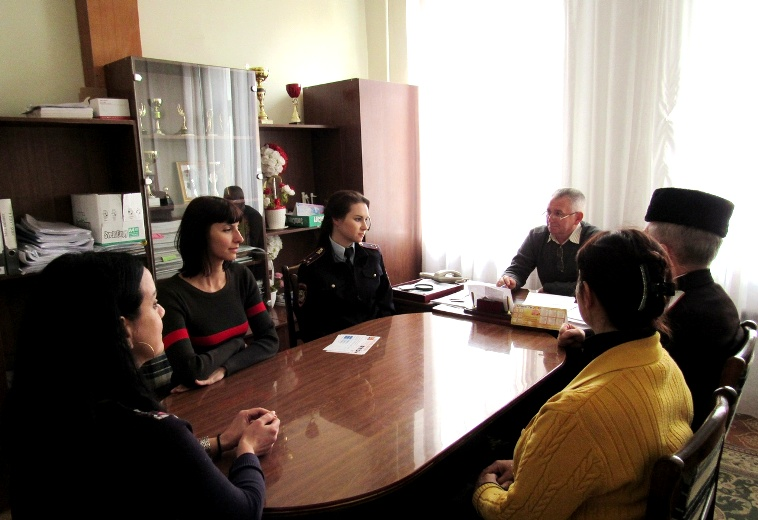 Круглый стол по вопросам профилактики правонарушений среди несовершеннолетних