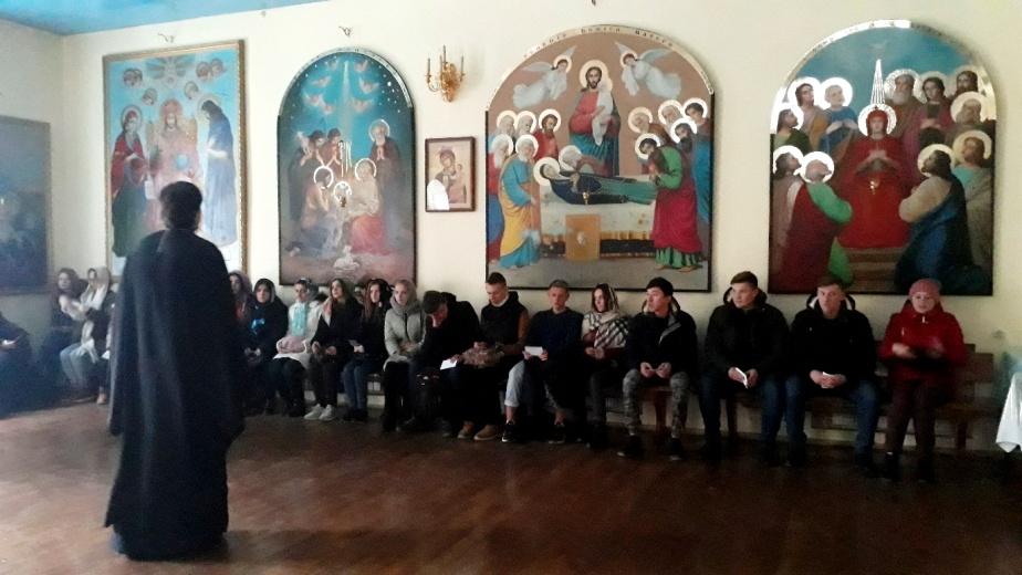 Студенты посетили храм