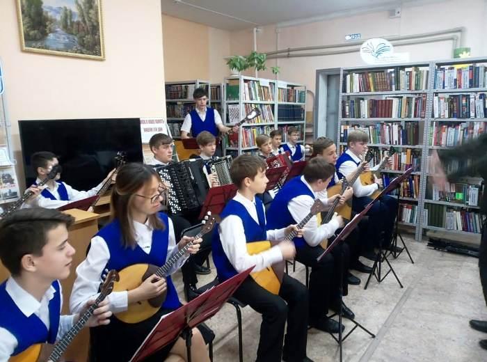 Приглашение с концертом — в музыкальную школу!
