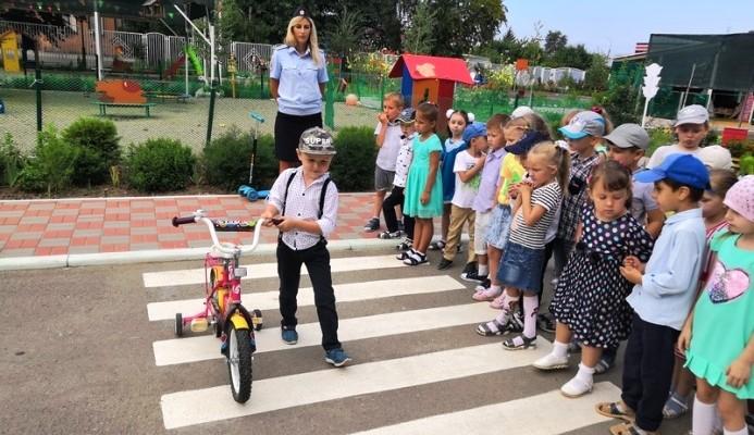 Детсадовцам о Правилах Дорожного Движения