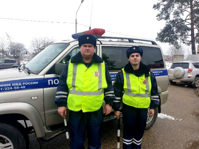 В Белореченском районе женщина поблагодарила полицейских за спасение