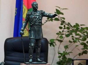 памятника графу Николаю Евдокимову, основателю Белореченского поселения