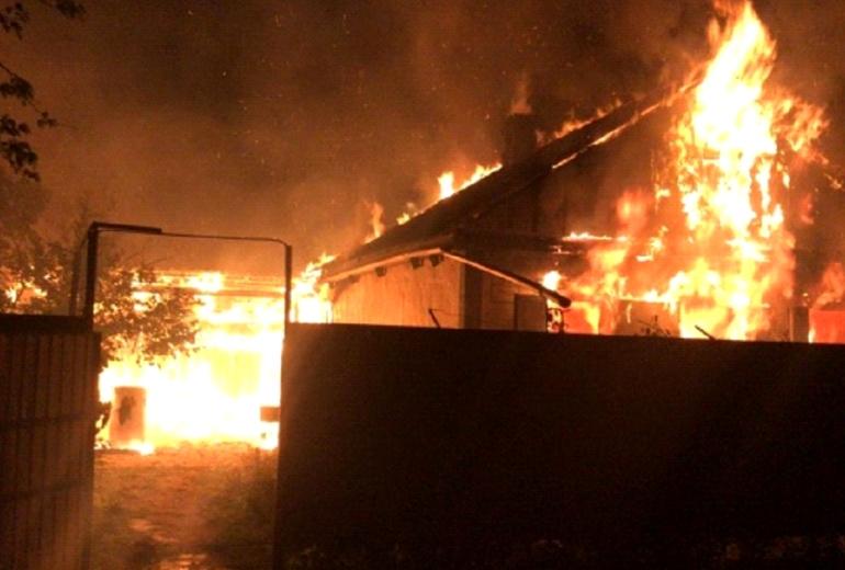 В станице Черниговской горел дом