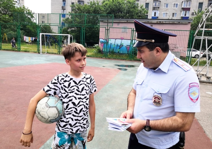 Белореченская полиция и общественники пропагандируют здоровый образ жизни