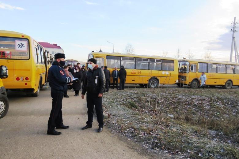 В Белореченске дополнительно проверили безопасность перевозок школьными автобусами