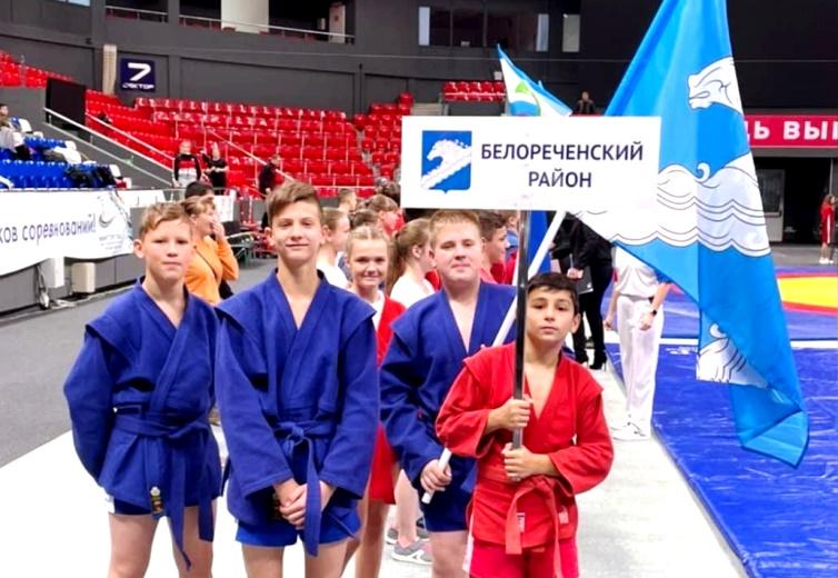 Белореченские самбисты заняли призовые места на зональном этапе Краевых соревнований по самбо среди школьников